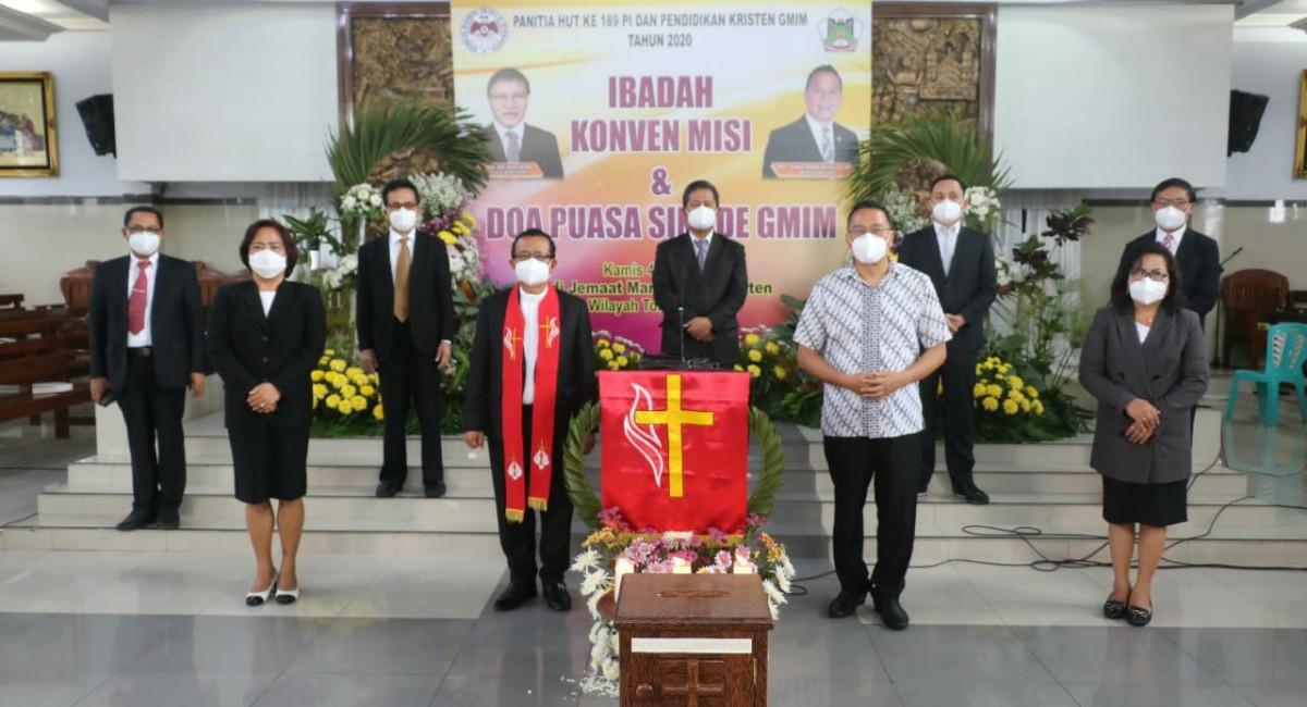 Foto bersama BPMS GMIM dan Walikota Tomohon