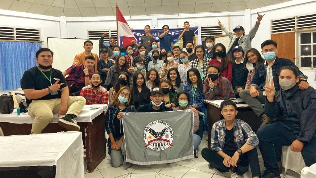 Syalom Mokorimban Nakhodai Himpunan Mahasiswa Tomohon UNSRAT Periode 2021-2022