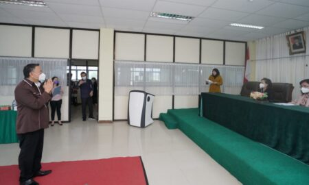 Walikota Tomohon Ikuti Ujian Pasca Sarjana di UNIMA Kaaten